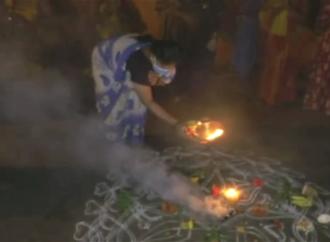 ಕೊರೊನಾ ಮನೆಗೆ ಪ್ರವೇಶಿಸದಂತೆ ಚಾಮರಾಜನಗರ ಜನತೆಯಿಂದ ವಿಶೇಷ ಪೂಜೆ